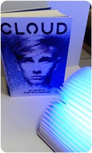 "alt=""Cloud, Claudia Pietschmann"""