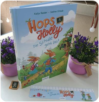 """alt=""""Hops & Holly. Die Schule geht los!"""""""