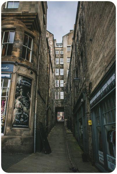 """alt=""""schmale Gassen Edinburgh"""""""